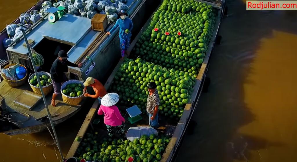 Food at Cai Rang Floating Market-Can Tho! Vietnamese life and beauty!