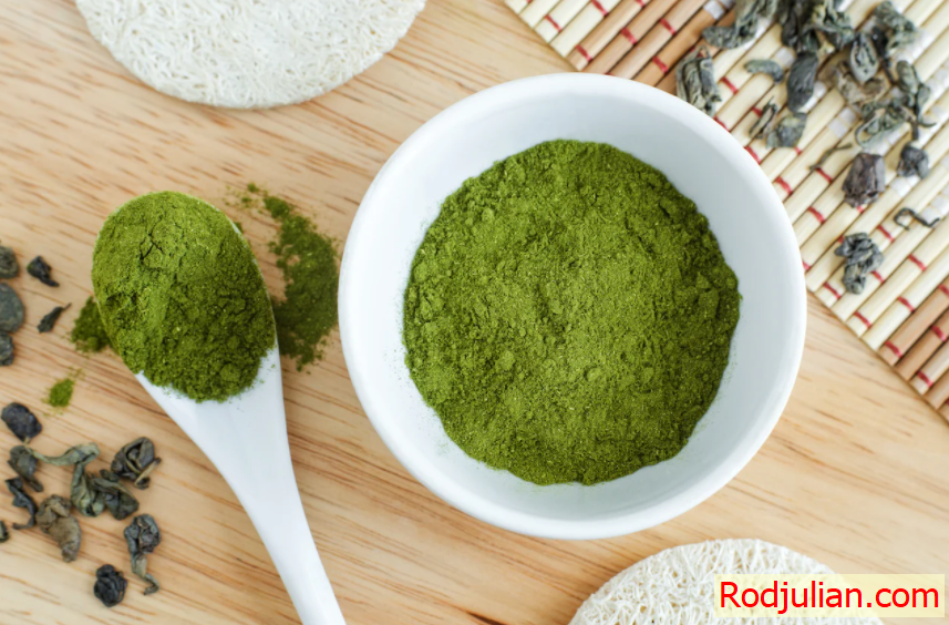 Should use spirulina because it is very beautiful and good for the skin