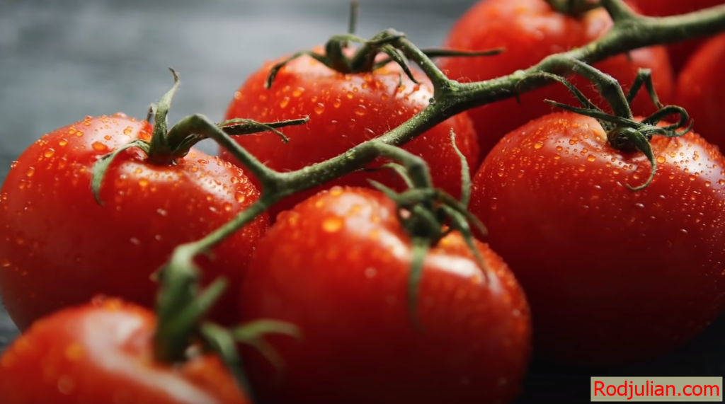 What are the benefits of eating tomatoes every day?